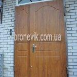 Дверь входная облицованная широкая